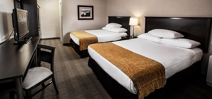 Niagara falls accommodations skyline hotel waterpark for Cute hotel rooms