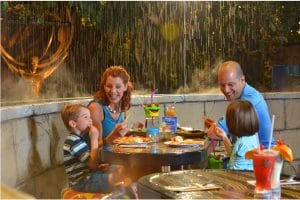 Rainforest Cafe dining on Family Day in Niagara Falls.